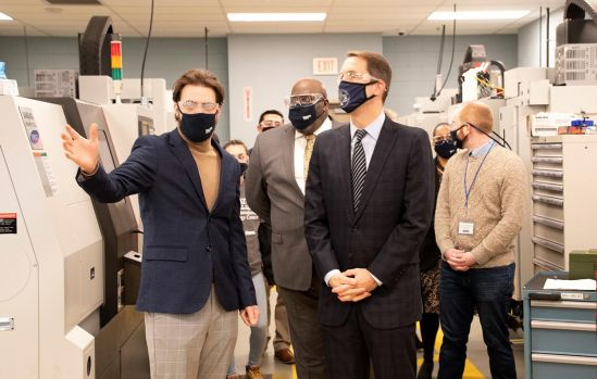 Congressman Himes Tours HCC's Advanced Manufacturing Technology Center